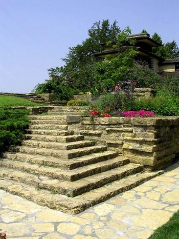 Taliesin_tea_circle_garden