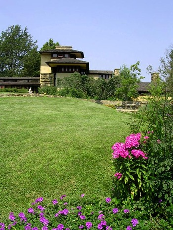 Taliesin_tower_hill_garden