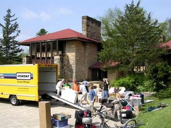 Unloading_the_truck_at_hillside_1